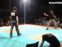 Enlace a El mejor maestro de las artes marciales no es el que hace las cosas más espectaculares