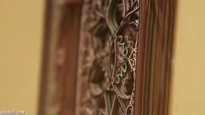 Enlace a Libreta de papel tallada con láser, atención a la magnífica obra
