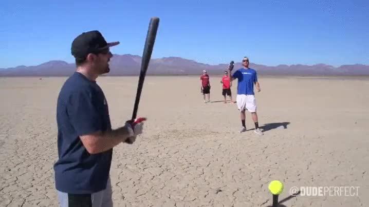 Enlace a Combinar deportes puede ser sencillamente genial, aquí el baseball tiro al plato