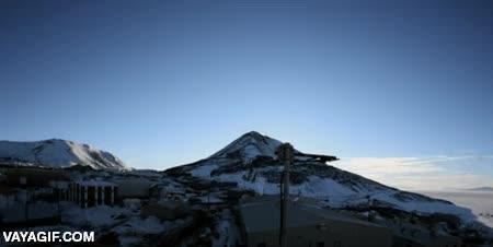 Enlace a El día que dura cuatro meses en McMurdo, en la Antártida