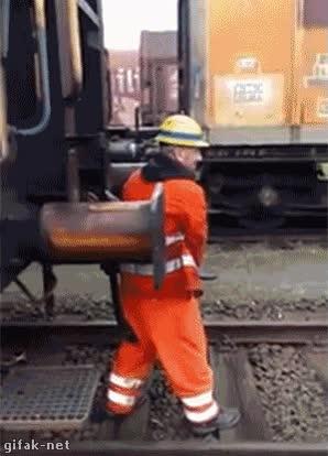 Enlace a Tenerlos bien puestos, nivel ferroviario