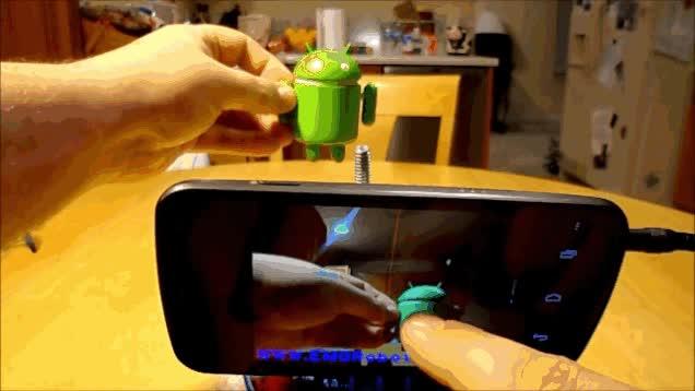 Enlace a El robot araña capaz de perseguir a su objetivo con la ayuda de un smartphone