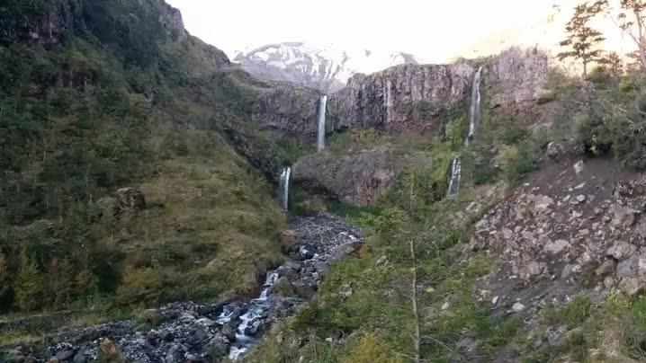 Enlace a Un excursionista graba justamente el momento de la erupción del volcán de Chile