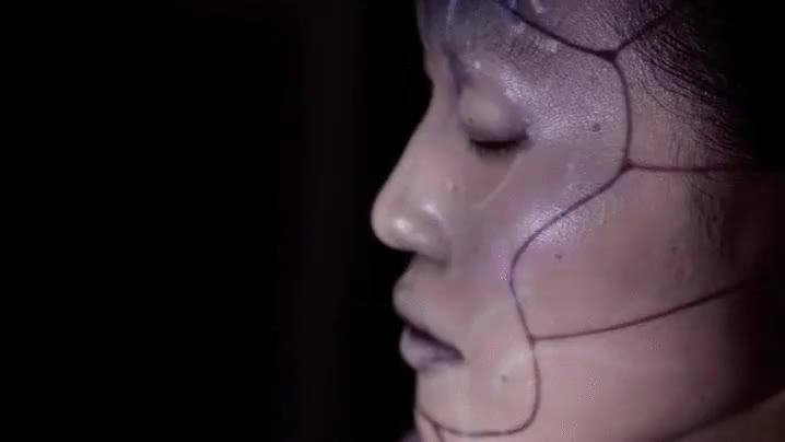 Enlace a Esto es el proyecto OMOTE, proyecciones holográficas adaptables a cualquier superficie
