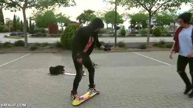 Enlace a Elrubius como youtuber no sé, pero como skater lo tiene chungo (y como futuro padre después de esto)