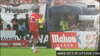 Enlace a ¿Que fallo el penalti? ¡Pues lo defino con una chilena!