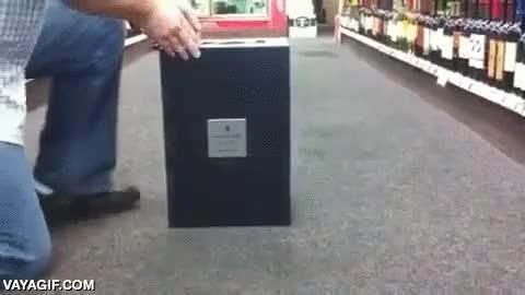 Enlace a Así es la caja que contiene un coñac de 20.000 dólares