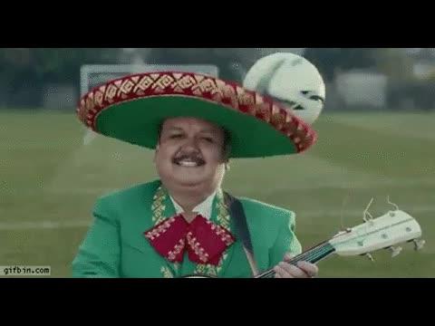 Enlace a Ay estos mexicanos, con el fútbol en la cabeza todo el día
