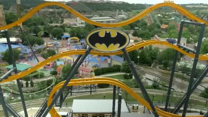 Enlace a Así es la nueva montaña rusa inspirada en Batman de uno de los parque de atracciones Six Flags