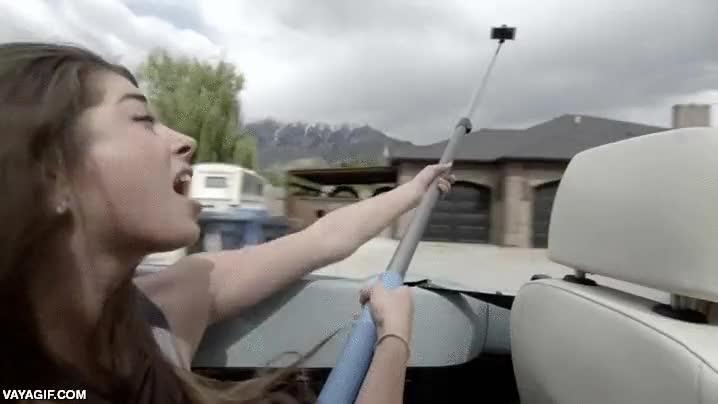 Enlace a Sabes que los palos para selfies se nos han ido de las manos cuando...
