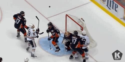 Enlace a Esto es lo que pasa cuando te pasas del fútbol al hockey sobre hielo