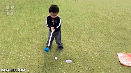Enlace a Yo, jugando golf por primera vez