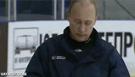Enlace a Vladimir Putin se pone los cascos como quiere, ¿entendido?