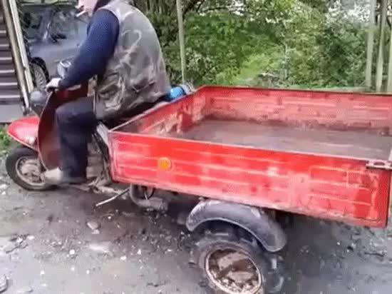 Enlace a El maestro ruso del motocarro