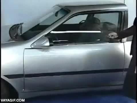 Enlace a ¿Te han aparcado muy cerca y no puedes abrir la puerta para entrar? Esto lo solucionaría