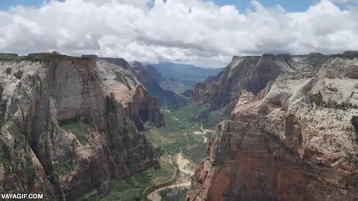 Enlace a Esto es lo que puedes contemplar desde el Observation Point del Zion National Park, menudo paisaje