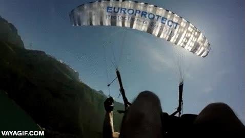 Enlace a Y por estas cosas es importante llevar un segundo paracaídas de emergencia, y un tercero