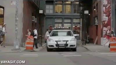 Enlace a Vacilando a la policía con el skate en sus propias narices