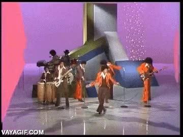 Enlace a Michael Jackson, una máquina de bailar