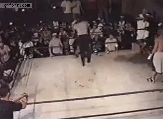 Enlace a No veas el pronto que tienen algunos árbitros de boxeo