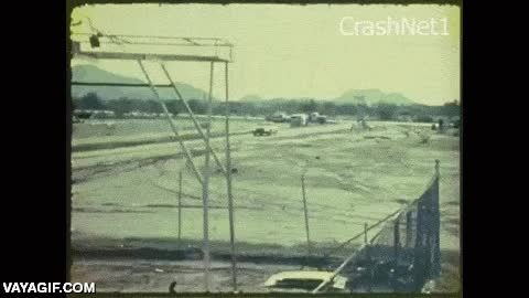Enlace a Uno de los primeros test de accidente de coche que se grabaron