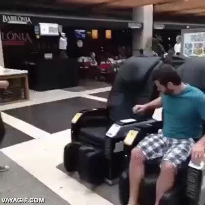 Enlace a ¿Sillón de masaje o silla eléctrica?