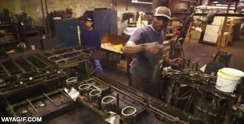 Enlace a ¡Flipa! Así es cómo se fabrican los patitos de goma