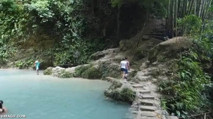 Enlace a Brutales cataratas de Tumalog en Filipinas
