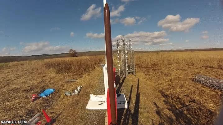 Enlace a Esto es lo que verías si te pudieras subir encima de un cohete