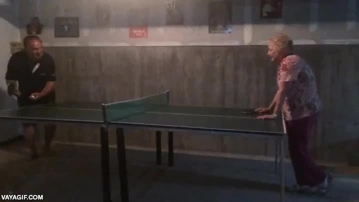 Enlace a Vamos abuela, juguemos a pingpong, que no es nada peligroso