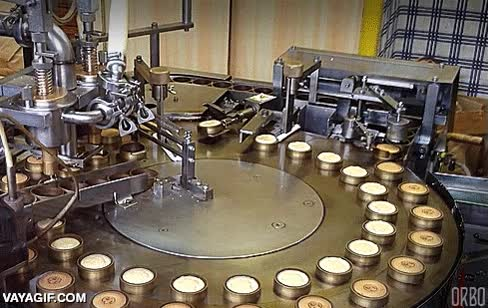 Enlace a Máquina para hacer minigalletitas en Japón. Me pido una para reyes