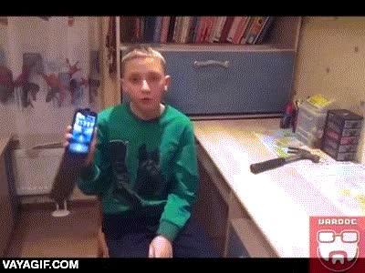 Enlace a FAIL: Haciendo un test de resistencia del smartphone para tu nuevo canal de Youtube