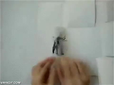Enlace a Paper flip parkour