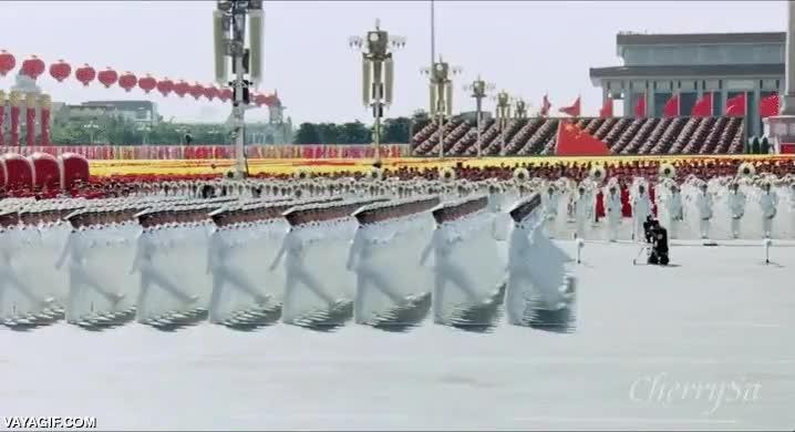 Enlace a No se puede ser más sincronizado que el ejército chino, puedes intentarlo, pero es imposible
