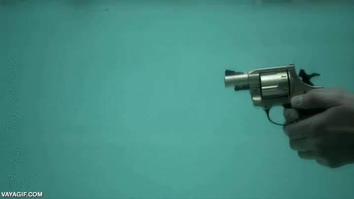 Enlace a Así se ve a cámara lenta el disparo de un revólver a cámara lenta