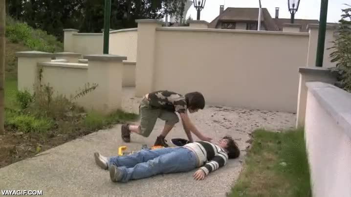 Enlace a Así los niños ven las guerras de pistolas NERF