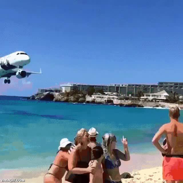 Enlace a Una pista de aterrizaje en primera línea de playa
