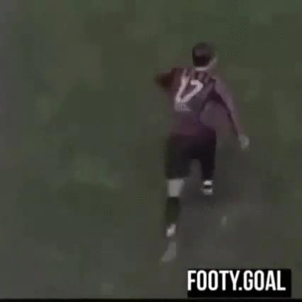 Enlace a La sustitución en un partido de fútbol más efectiva de la historia