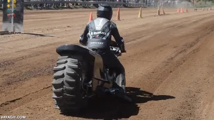 Enlace a Vale, creo que alguien se ha pasado un poco con el tamaño de sus ruedas
