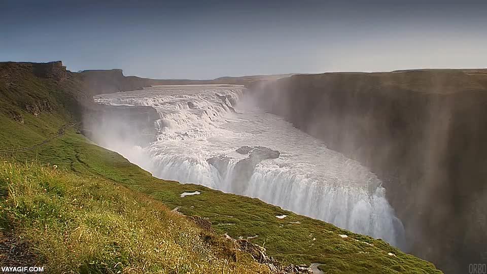 Enlace a Así son las cascadas Gullfoss de Islandia