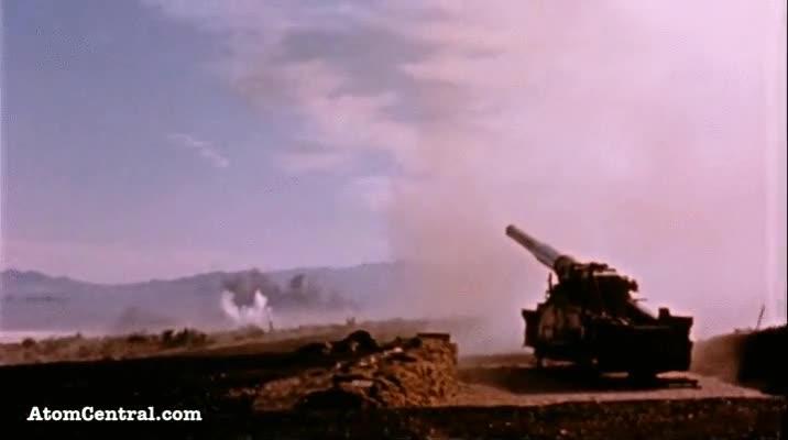 Enlace a Esto es un cañón atómico disparando un proyectil a mucha distancia