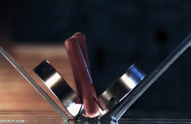 Enlace a Consejo, nunca pongas los dedos entre dos imanes de neodimio