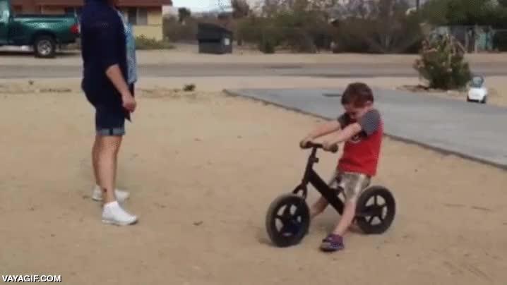 Enlace a Y así se le pasaron las ganas de hacer más wheelies con las bici