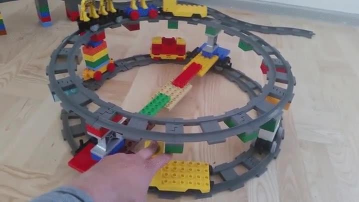 Enlace a El tren de arriba no se ha frenado, esto es lo que pasa cuando equilibras velocidades