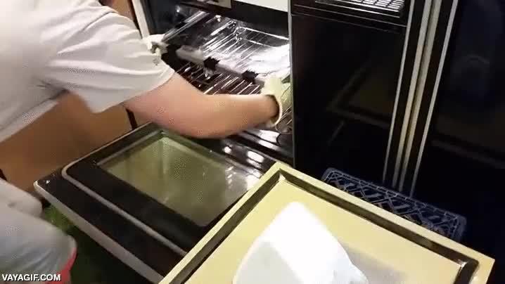 Enlace a Moldeando plástico usando el vacío