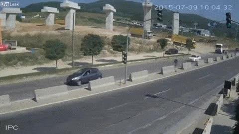 Enlace a Horrible accidente en Turquía en el que por fortuna nadie salió herido