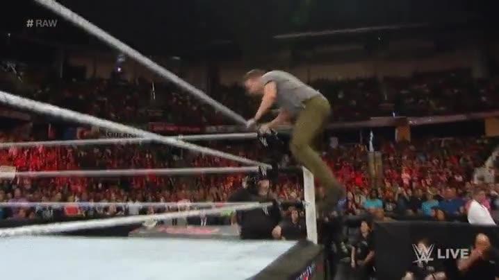 Enlace a Métete con el público en un combate de WWE y verás lo que te espera
