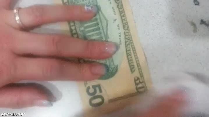 Enlace a No sé cómo lo hacen, pero en Asia saben convertir los billetes de 10$ en billetes de 50$