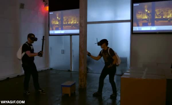 Enlace a Pasándose una antorcha en realidad virtual, ¿serán así los videojuegos del futuro?
