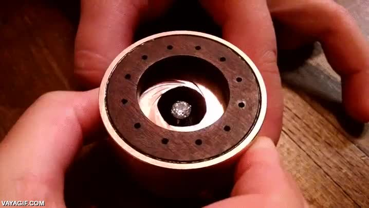 Enlace a Una cajita muy original para guardar el anillo de pedida de mano
